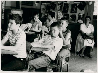 Production still of children in classroom - The Struggle of Coon Branch Mountain